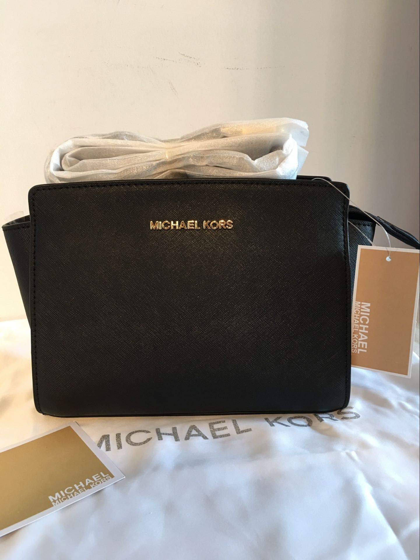 030267ad750e MICHAEL KORS Selma Medium Messenger Crossbody Bag Black Authentic on  Storenvy