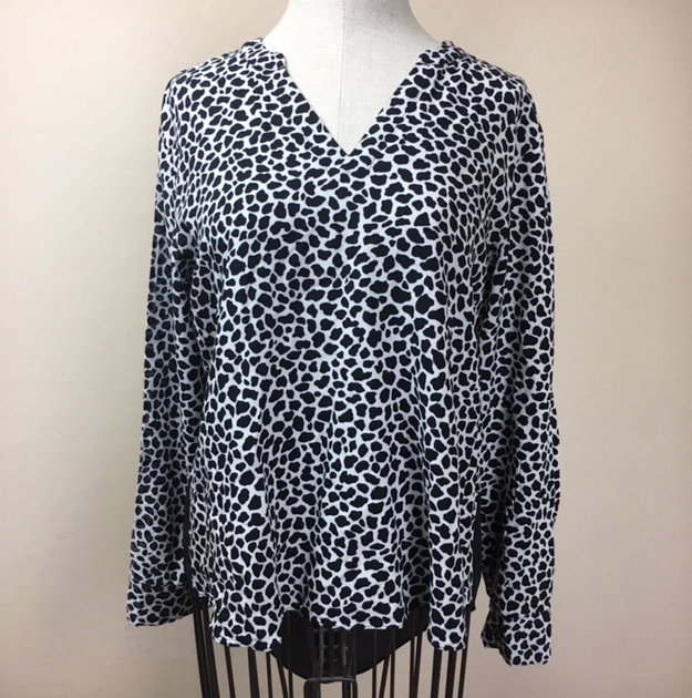 426c9fc9d4793b Two Vince Camuto Animal Print Blouse (S) · Haute and Poor · Online ...