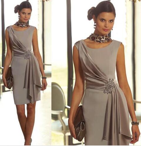 c23cbd3c1c9 Modest Plus Size Short Mother Of the Bride Dresses Sheath With Scoop Neck Cap  Sleeve Beaded