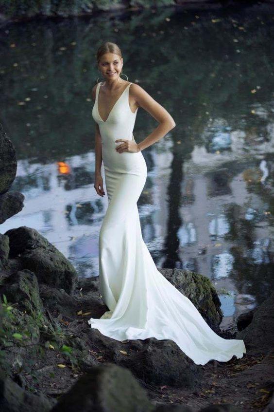 Simple Elegant Ivory Wedding Dresses