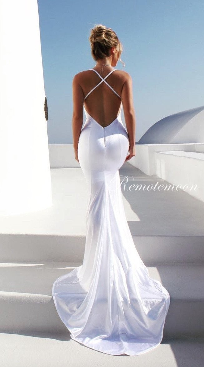 Sexy V Neck Spaghetti Straps Backless Wedding Dress Mermaid Side Split White Satin Summer Beach Wedding Dresses With Train 2018 New Arrival