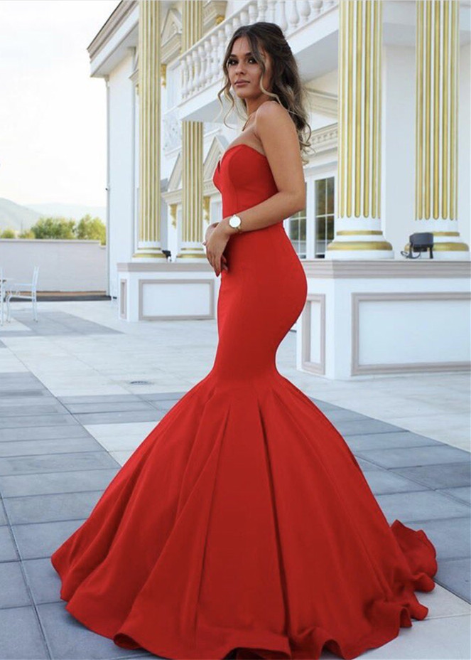 Glam at Prom Dresses to Buy