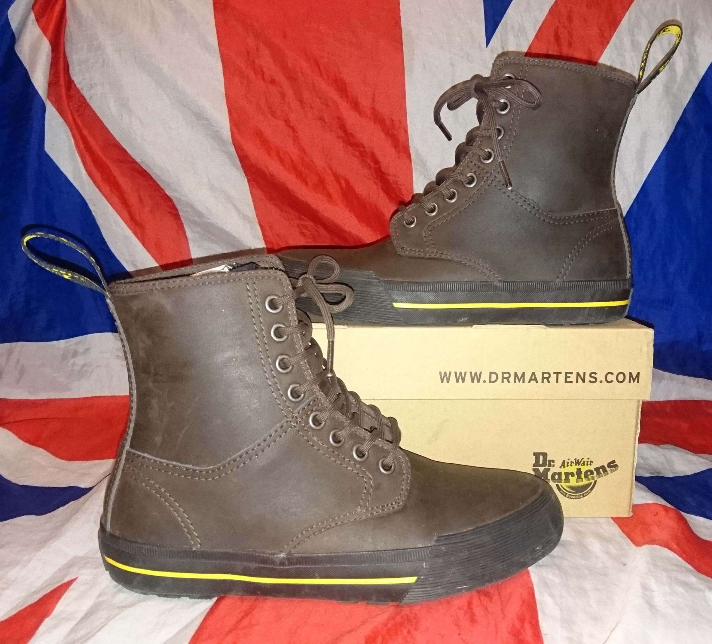 675679a4 Rare - Winsted - Brown Leather Hi Top Dr Doc Martens - UK 4*EU 37 ...