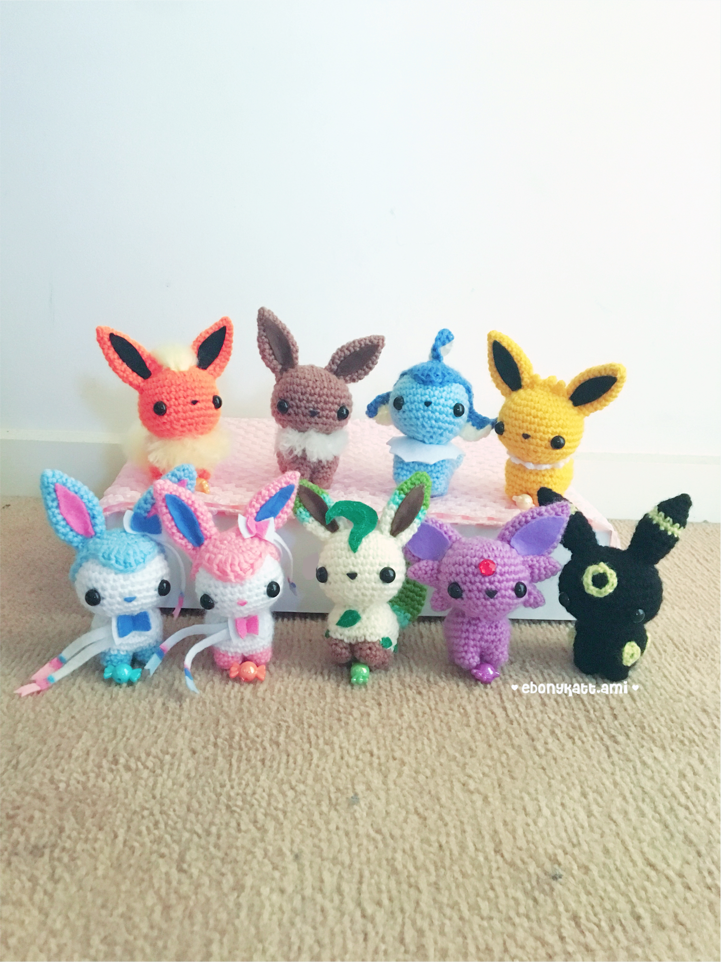 Espeon Eevee and Umbreon amigurumi dolls. #amigurumi #hand… | Flickr | 1920x1440