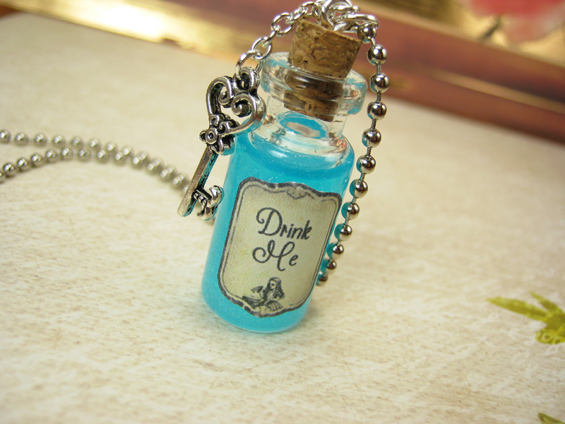 13d1b2e51928 Drink Me 2ml Glass Bottle Necklace - Glass Vial Pendant Charm - Alice in  Wonderland Drink Me Potion from Red Queen Miscellanea